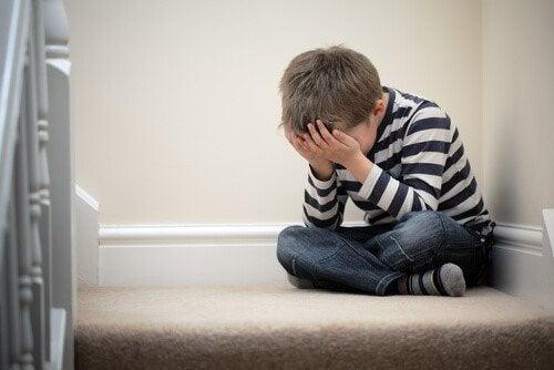 Kuinka helpottaa lapsen ahdistusta?