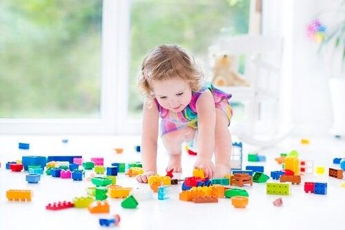 Lapsen motorinen kehitys alle viiden vuoden iässä