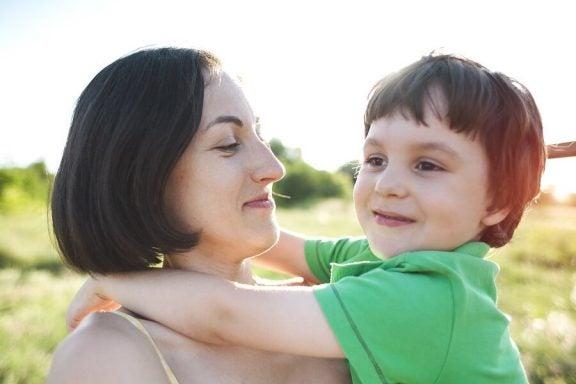 Kuinka vanhemmat voivat käsitellä lapsen eroahdistusta?