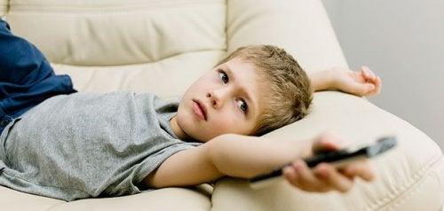Tavallisimmat nuorten lasten pahat tavat