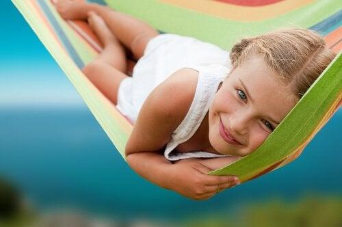 5 neuvoa stressittömään lapsuuteen