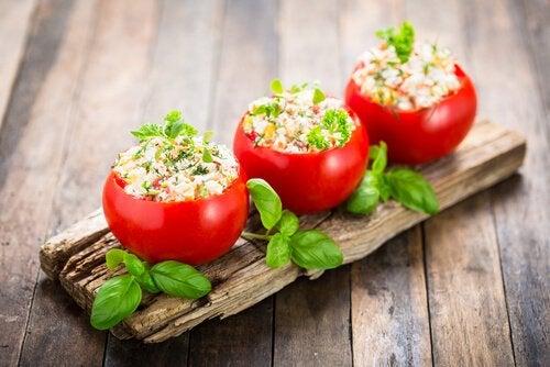 Nopeat illallisideat - Täytetyt tomaatit