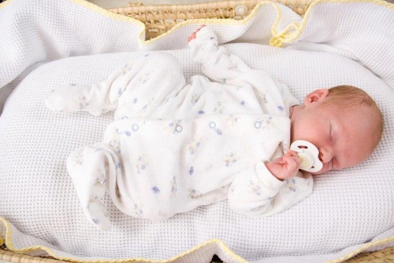 Vauvan nukkumaanmenorutiinin luominen