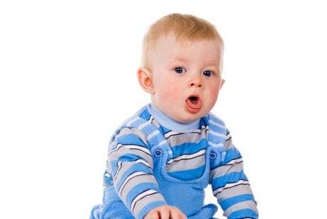Näin poistat liman flunssaiselta vauvalta