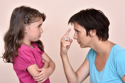 Lapsen kasvattaminen ilman uhkailua