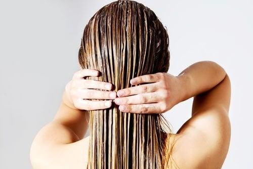 Onko hiusten värjääminen raskaana ollessa vaarallista?