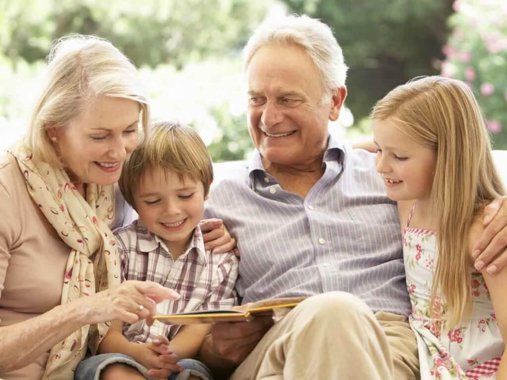 Vanhempien ihmisten kunnioittaminen on hyvä tapa