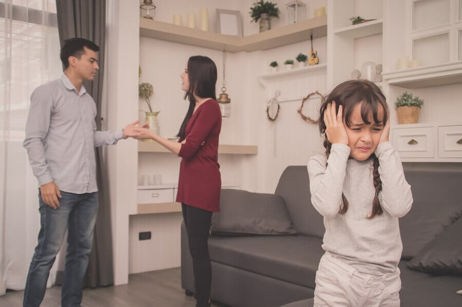 Vanhempien täytyy muistaa jättää kiistansa lasten kuulumattomiin