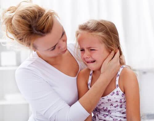 Mistä lapsen turhautuneisuus johtuu ja miten siihen kannattaa suhtautua?