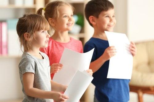 Roolileikkien avulla kehitetään lapsen empatiakykyä