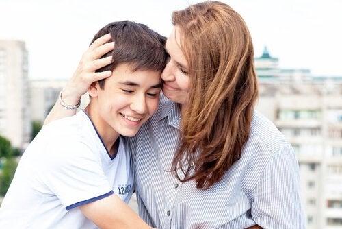 Miten vanhempi saa teinin luottamuksen?