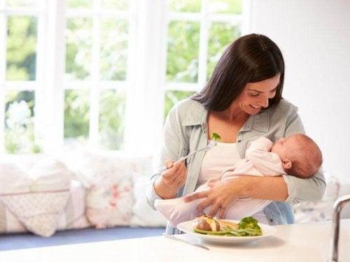 Synnytyksen jälkeinen dieetti: Koska kannattaa aloittaa?