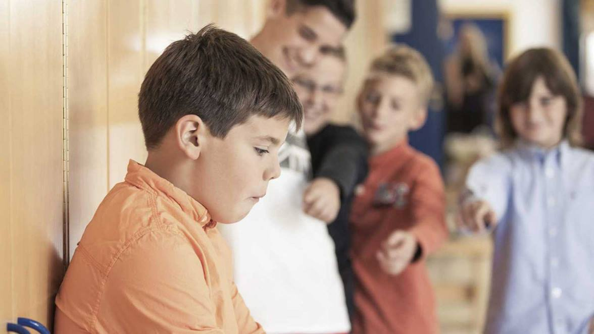 Vähemmän suosittu nuori saattaa kokea kiusaamista