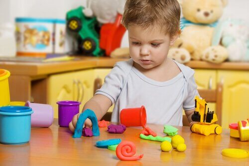 Muovailuvahan hyödyt lapsen kehitykselle