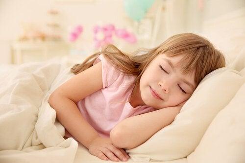 Lapsen päiväunien hyödyt ja haitat