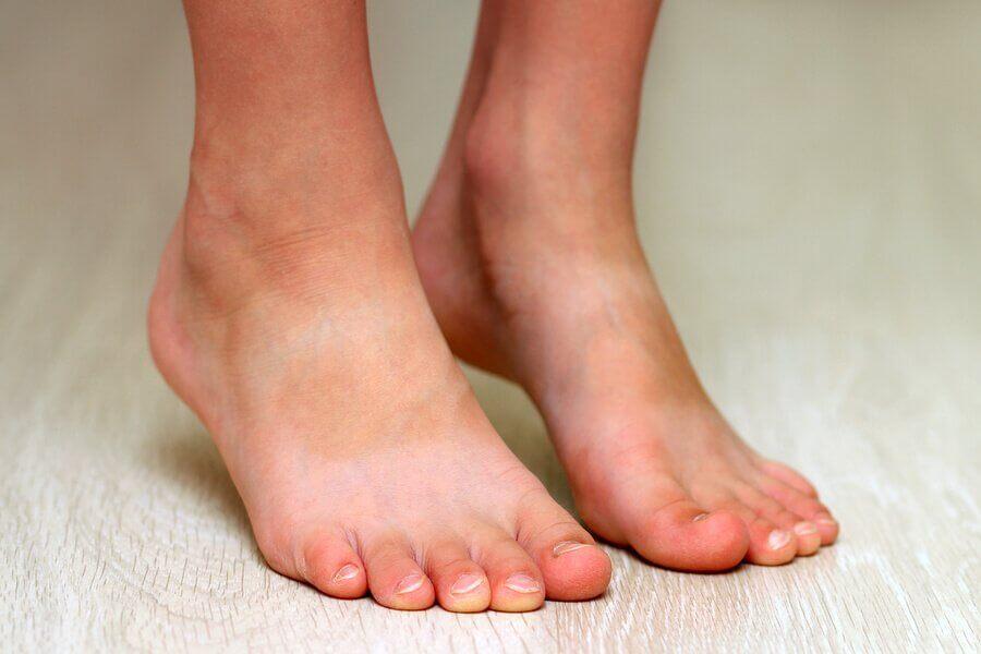 Lapsen lattajalat ja lattajalkaisuuden ehkäisy