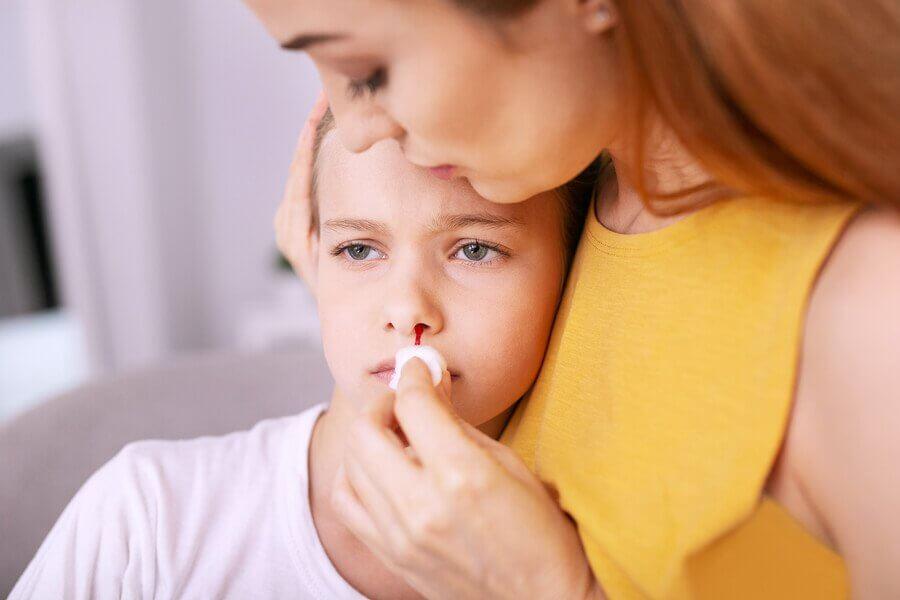 Lapsen nenäverenvuoto: Hoito ja ehkäisy