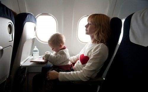 Matkustaminen vauvan kanssa