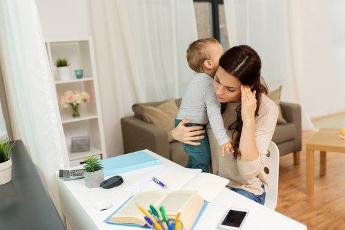 Pienen lapsen äidin voi olla vaikeaa löytää opiskeluaikaa
