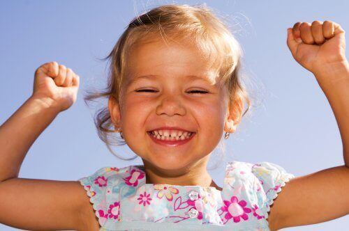 Opeta lapsi käyttämään positiivista kieltä