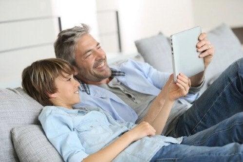 Yritteliäät lapset - inspiroivia ja opettavaisia tarinoita