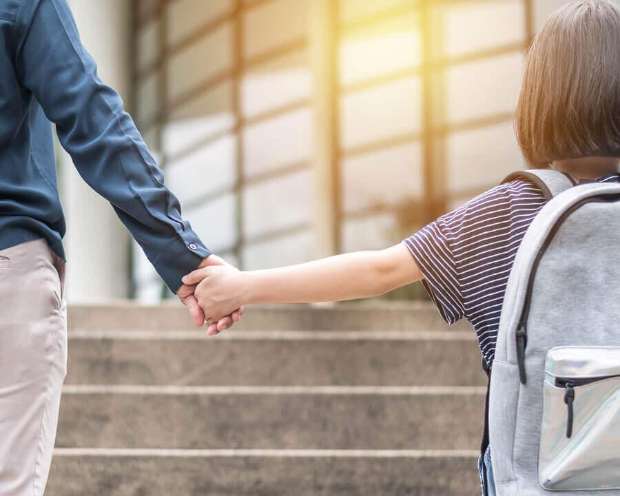 Kuinka koulun vaihtaminen vaikuttaa lapseen?