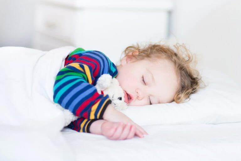 Koska lapsen kannattaa lopettaa päiväunien nukkuminen?