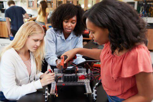 STEM-alan naiset ovat vähemmistö tiedealoilla