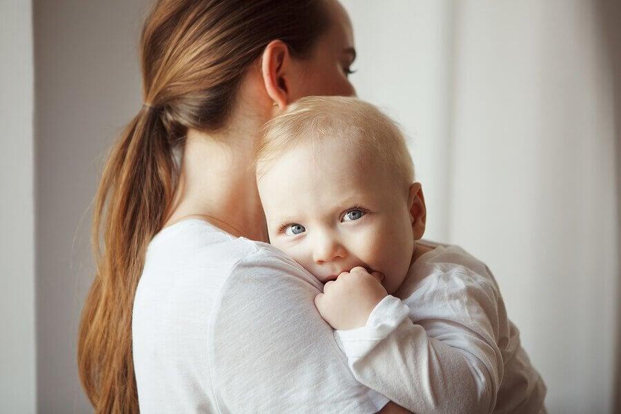 Miksi vauva ei aina itke heti synnyttyään?