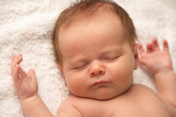 Onko jokin vialla, jos vauva ei itke juuri koskaan?