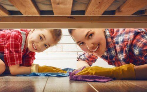 Ota kaikki perheenjäsenet mukaan siivoukseen