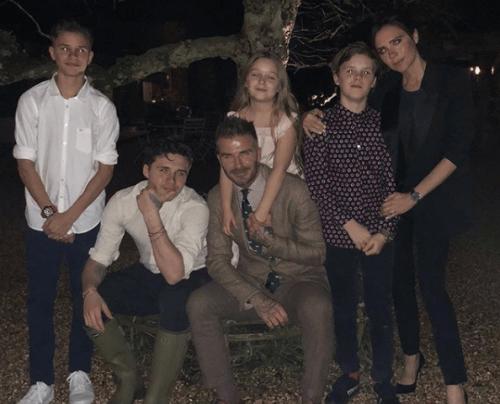 Jalkapalloilija David Beckhamilla on suurperhe