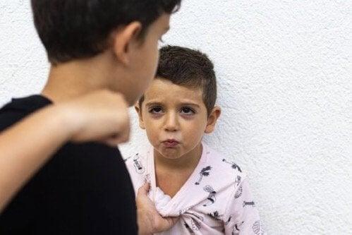 Miten lapsen aggressiivisuus saadaan loppumaan?