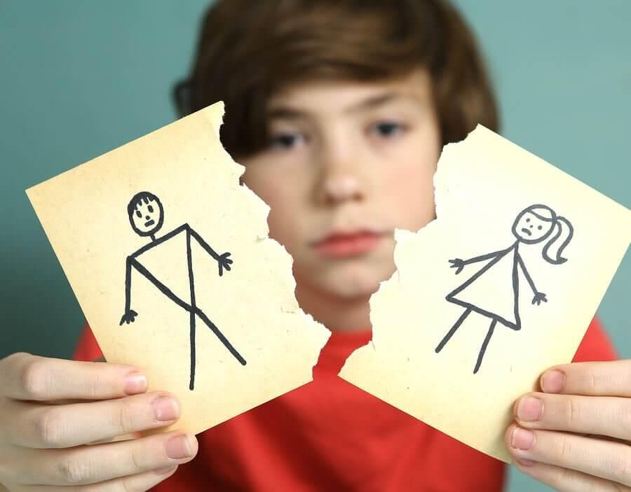 Eronneiden vanhempien huoltajuusjärjestelyt