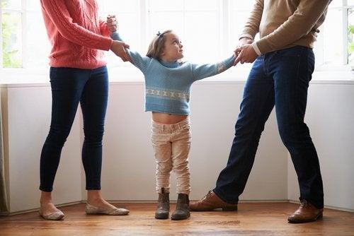 Lapsen huoltajuuteen vaikuttavat muun muassa lapsen ikä ja tarpeet