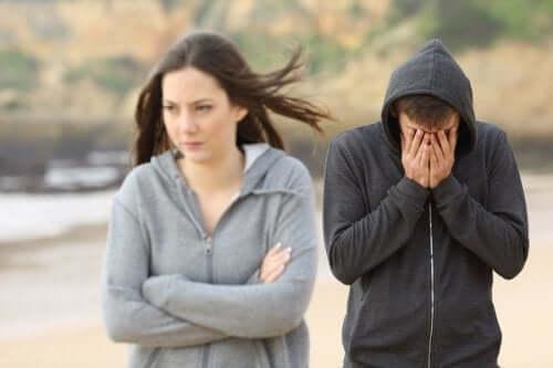 Kuinka toimia, jos ei pidä tyttärensä kumppanista?