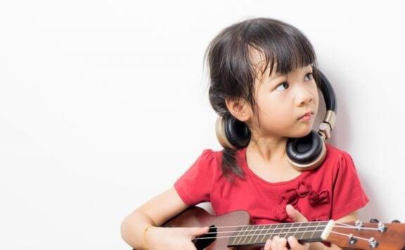 On olemassa herkkyyskausia, jolloin esimerkiksi musikaalisten taitojen oppiminen tapahtuu nopeasti