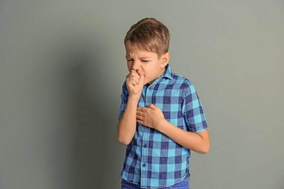 Lapsen hengityksen vinkuminen voi olla oire jostakin hengitystiesairaudesta