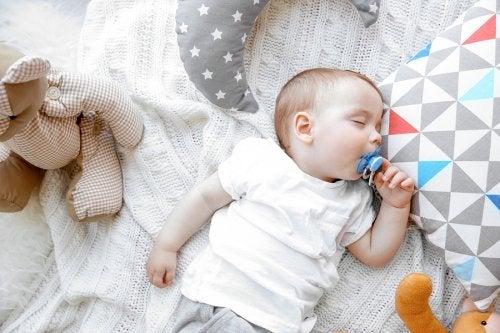 Tutti suussa nukkuminen