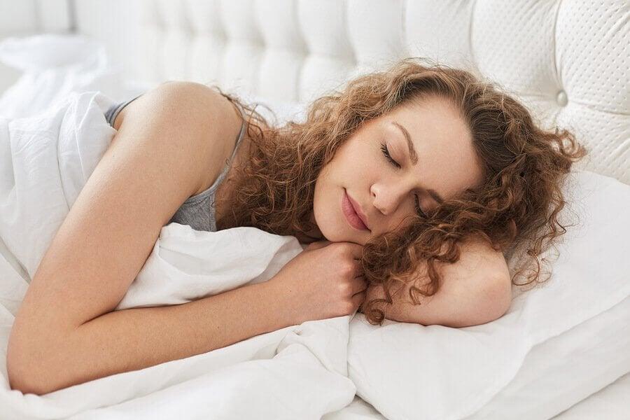 Kuinka imetyksen aikainen väsymys torjutaan?