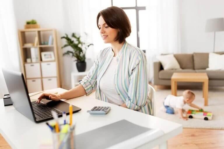 Onko opiskelun ja äitiyden yhdistäminen mahdotonta?