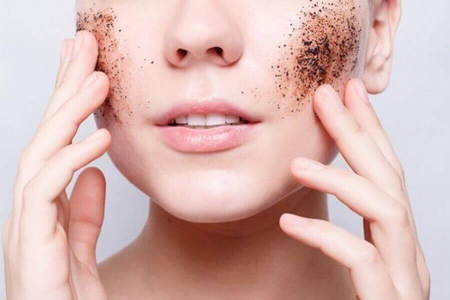 Kuinka parantaa ihon kuntoa, jos on aina väsynyt?