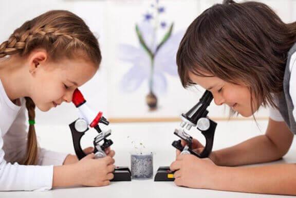 Tieteellisten kokeiden avulla lapsi ymmärtää paremmin ympäröivää maailmaa