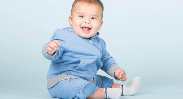 Milloin on turvallista asettaa vauva istumaan?
