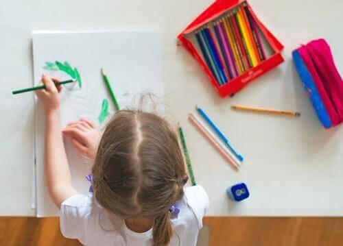 10 tapaa luoda lapselleviihtyisä työpöytä