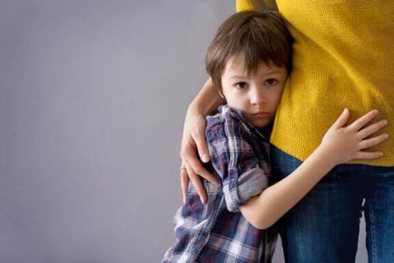 Kuinka päästä eroon lapsen ujoudesta?