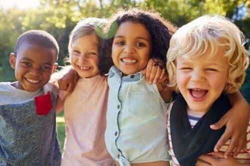 Miksi sosialisaatio on niin tärkeää lapsuudessa?