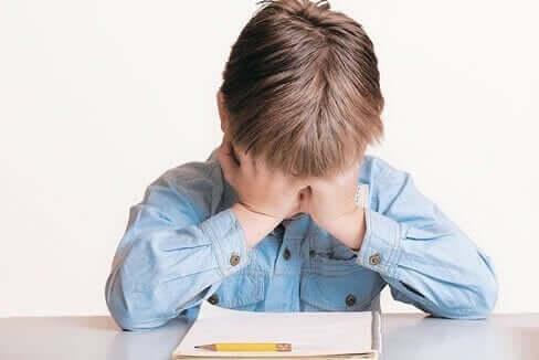 Kuinka toimia, kun lapsi ei halua opiskella?