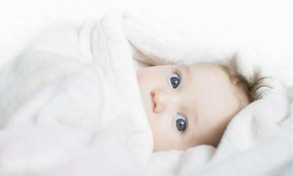 Mistä tietää, että vauvalla on kylmä?