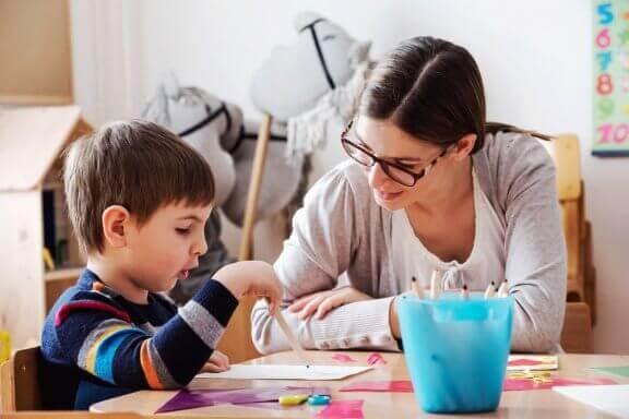 Kuinka auttaa lasta oppimaan tehokkaasti?
